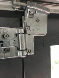 bifold door broken hinge