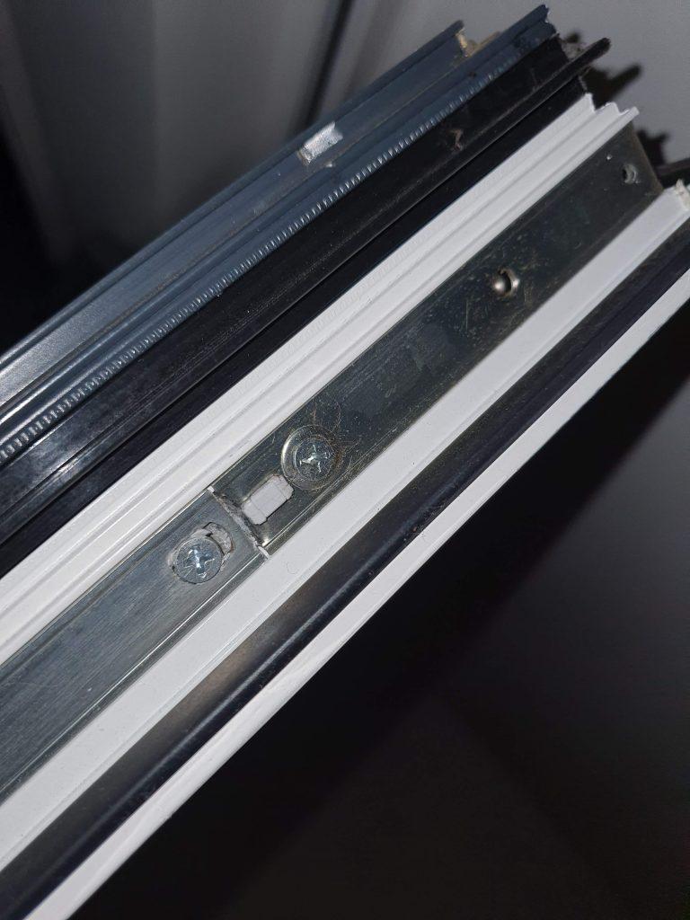 Tilt and Turn Door Corner bracket Locking Mechanism